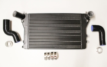 Ladeluftkühler Kit für Golf 5 Audi A3 S3 Seat Leon Passat B6 2.0 TFSI Douple-DIN 65mm plug and play inkl. Teilegutachten (§19.3)
